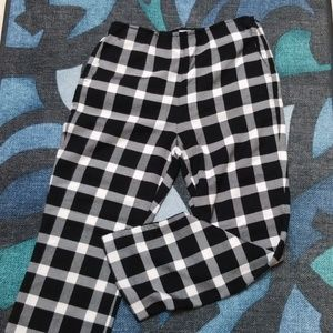 Gap Black and White Plaid Flare Crop Pants Size 4